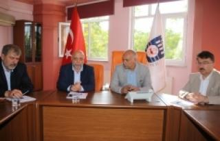 Hak-İş Genel Başkanı Arslan, Başkan Çalışkan'ı...