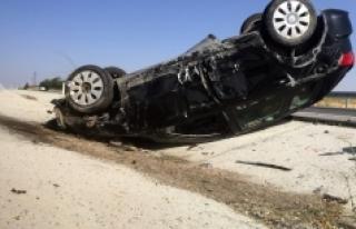 Karaman'da Kontrolden Çıkan Otomobil Takla Attı:...