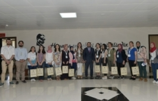 Rektör Akgül, Yabancı Uyruklu Öğrencileri Makamında...