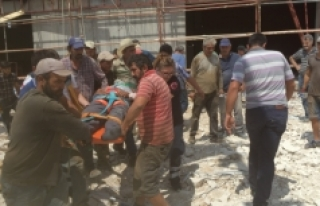 Karaman'da Spor Salonu İnşaatından Düşen...