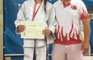 Karamanlı Judocular Sakarya'dan Madalyalarla Döndü