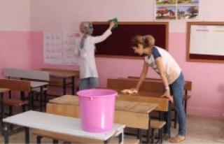 Okullara Hizmetli Alınacak