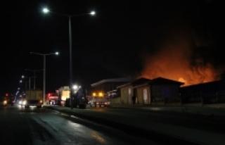 Fabrika Yangını 6 Saatlik Çalışmanın Ardından...