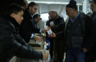 Karaman Belediyesi 26 Camide Kandil Simidi İkram...