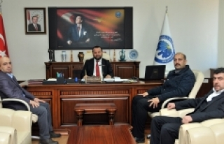 AK Parti İl Başkanı Mehmet Er, Rektör Akgül'ü...