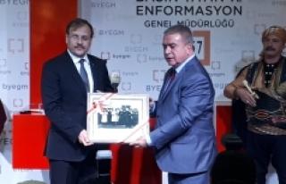 """Çavuşoğlu: """"15 Temmuz Fotoğrafları Ve Kurtuluş..."""