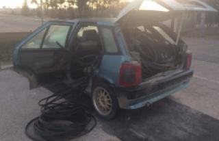 Jandarmanın Durdurduğu Otomobilden Kablo Çıktı