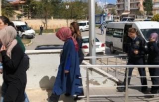 FETÖ/PYD Operasyonunda Adliyeye Sevk Edilen 6 Kadın...