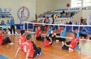 Oturarak Voleybol 1.Lig 2. Etap Müsabakaları Karaman'da
