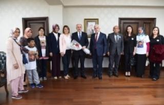Vali Meral'e 'Dünya Otizm Günü' Ziyareti