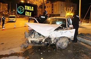 Otomobil Hafif Ticari Araç Kazasında 2 Yaralı