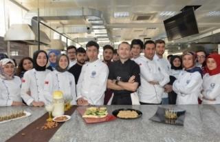 Üniversite Mutfağında Osmanlı Rüzgârı Esti