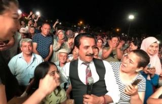 """""""Kayısı Festivali""""nde Latif Doğan ve Merve..."""