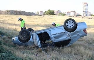 Kontrolden Çıkan Otomobil Takla Attı:2 Yaralı