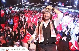 Ahmet Şafak Hayranlarına Unutulmaz Bir Gece Yaşattı