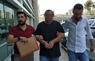 Babasına Bıçak Dayayıp 300 Lirasını Gasp Etti