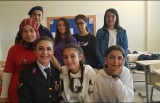 Lise Öğrencilerine Jandarma'dan Meslekı Tanıtımı