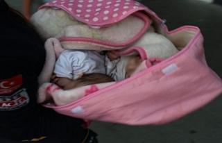 Çöp Konteynerinin Yanında Terk Edilmiş Bebek Bulundu