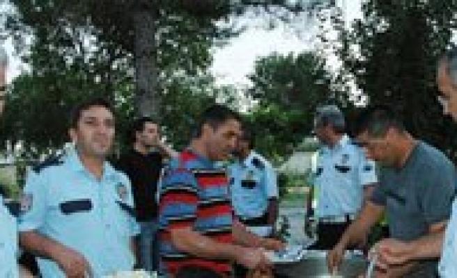 Karaman Polisinden Sürücülere Iftar