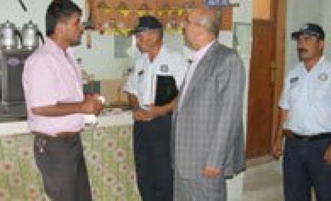Belediye Baskani Samur, Isyerlerini Denetledi
