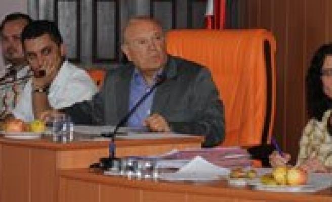 Belediye Meclisi Üyeleri Asfalt Ve Kugulu Parkin Durumunu Sordu