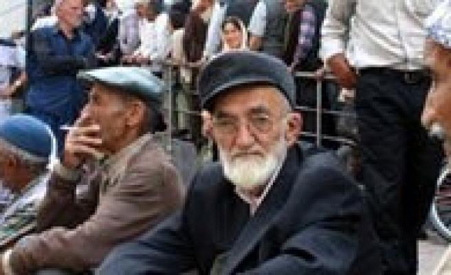 """Emekliler Dernegi Baskani Yilmaz: """"Emeklilerimize Meclisten iyi haberler bekliyoruz"""""""