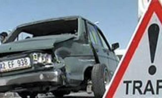 Trafik Kazasi: 5 Yarali