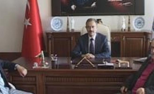 """Rektör Gökmen: """"Türk Dili Ve Gida Konusunda Türkiye'de Tercih Edilen Bir Üniversite Olmak En Büyük Hedefimiz"""""""