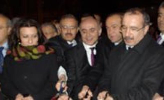 Ankara'daki Karaman Evi'nin Açilisina Büyük Ilgi