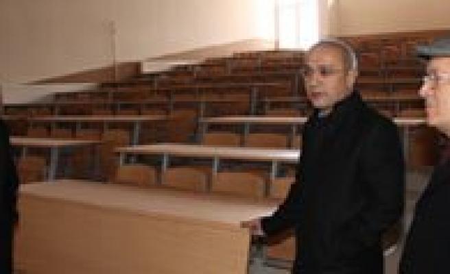 """Milletvekili Lütfi Elvan: """"KMÜ, Saglam Adimlarla Ilerliyor"""""""