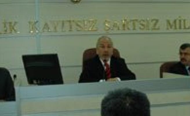 """Il Genel Meclisi Baskani Mustafa Bayir: """"Meclisimizde Demokrasi Türül Türül Tütüyor"""""""