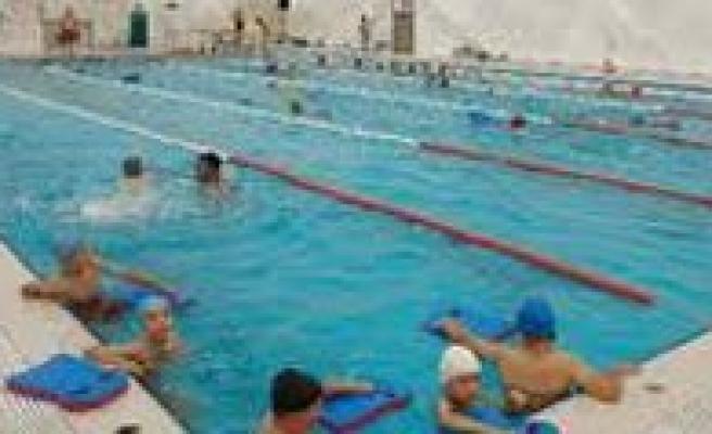 Yüzme Hakemlik Kursu Açiliyor