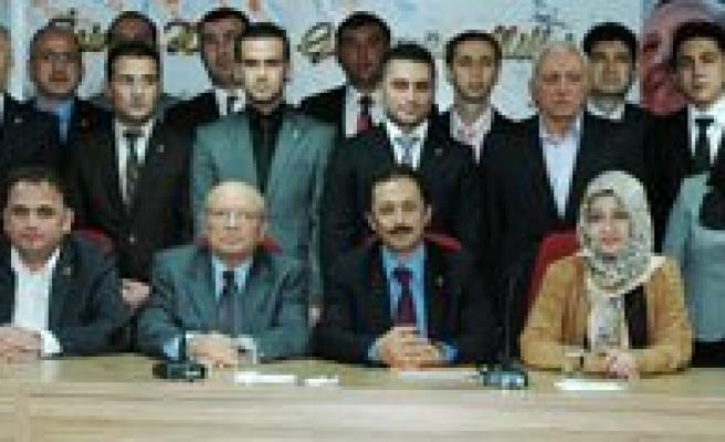 AK Parti Karaman Yeni Il Yönetimi Basina Tanitildi