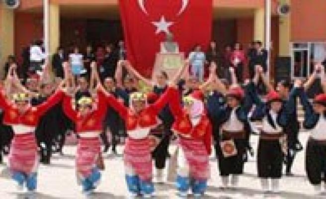 23 Nisan Kutlamalari Gazi Mustafa Kemal Ilkögretim Okulu'nda Yapilacak