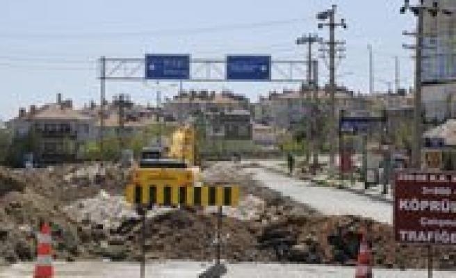 Karaman'da Eregli Yolu Köprülü Kavsak Çalismasi Basladi