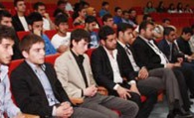 KMÜ'de Ögrenciler, Ermeni Meselesini Bir Ermeni'den Dinlediler