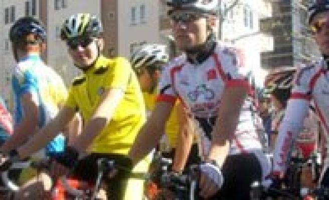 Belediye Spor Bisiklet Takimimiz Konya Yolcusu