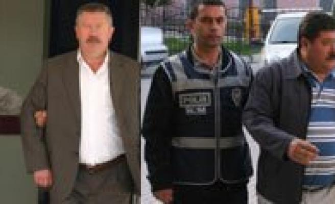 Ermenek Cezaevine Dilaltinda Sim Kart Bile Sokan Icra Çetesi Tutuklandi