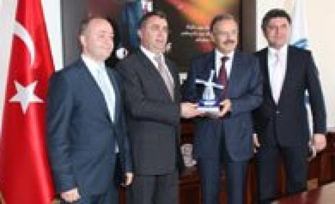 Avrupali Türk Demokratlar Birligi Temsilcileri Kmü'yü Ziyaret Etti