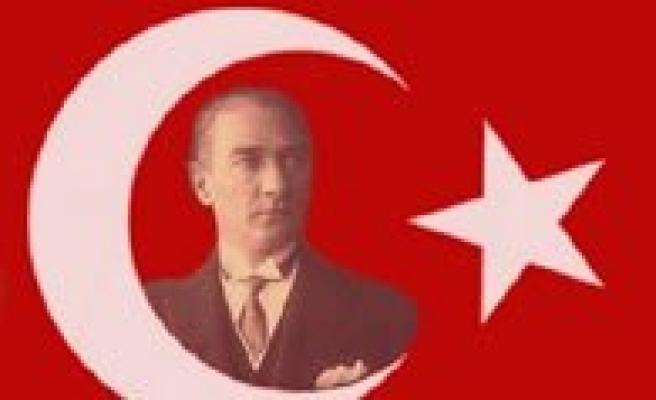 CHP, 19 Mayis Atatürk'ü Anma Gençlik Ve Spor Bayramini Kutlayacak