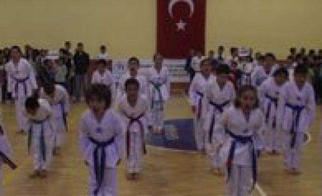 Il Spor Merkezlerini Açilis Töreni Yapildi…