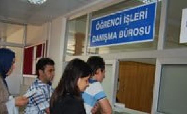 Karamanoglu Mehmetbey Üniversitesinde Kayitlar Basladi