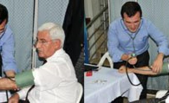 Valilik Personeli, Kizilay'in Kan Bagisina Duyarsiz Kalmadi