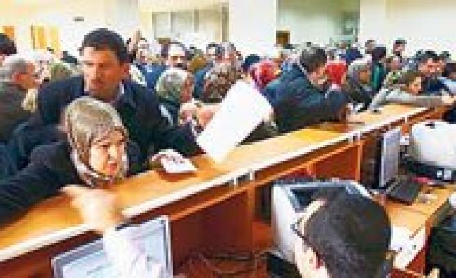 Bürokraside Sanal Devrim: Vatandasin Evrak Çilesi Bitiyor