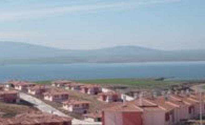 Toki Göl Manzarali Tarim Köy Konutu Satisi Müracaatlarina Yarin Basliyor