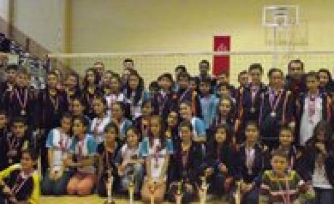 Okullar Arasi Yildizlar Voleybol Müsabakalari Sona Erdi