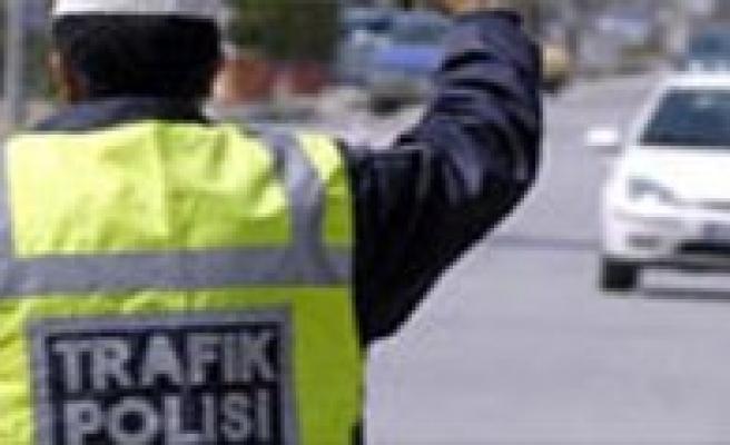 1 Ocak'tan Itibaren Ilimizde Artik Sivil Polis Ekipleri de Trafik Cezasi Kesecek