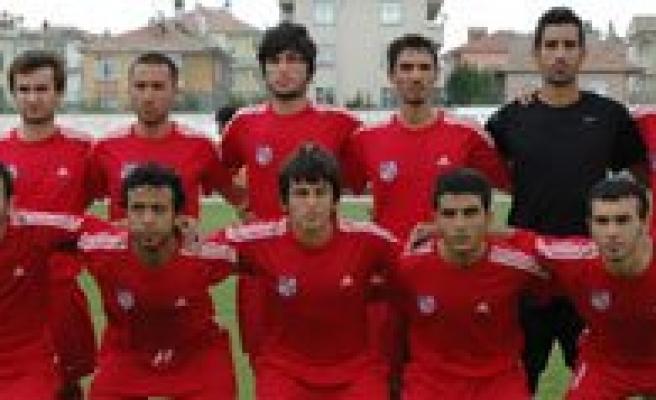Karaman Belediyespor Ilk Yariyi 8. Sirada Tamamladi