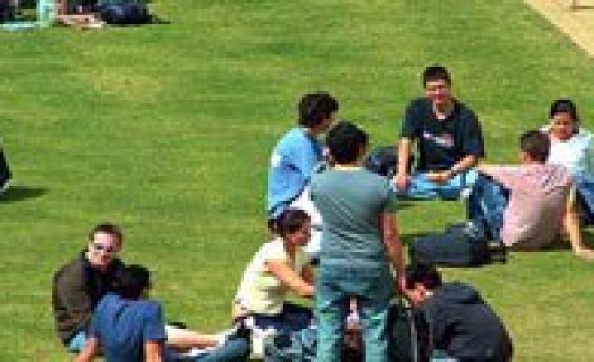 Üniversite Ögrencilerine Kötü Haber