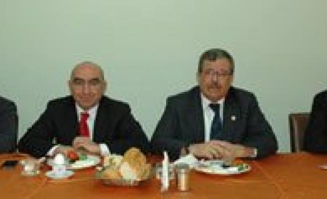 Karaman'da MHP'li Belediye Baskanlari Partiden Istifa Etti